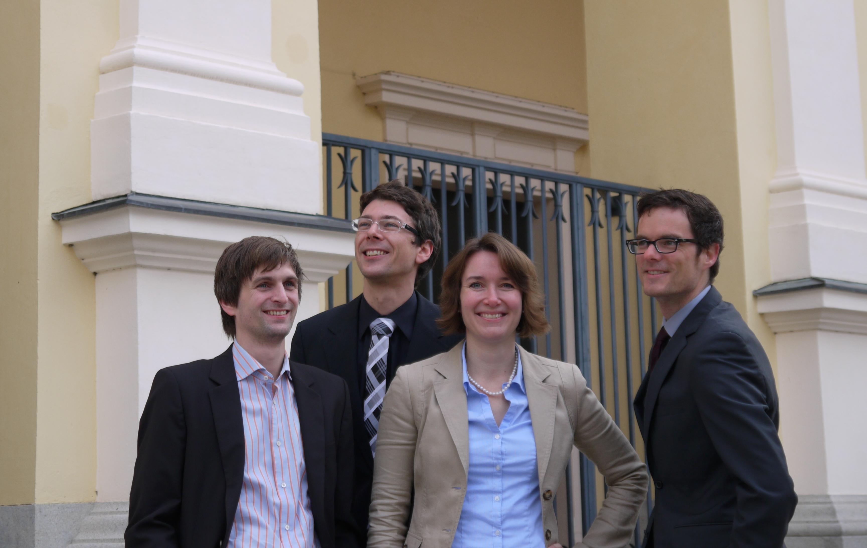 Das Team von microDimensions