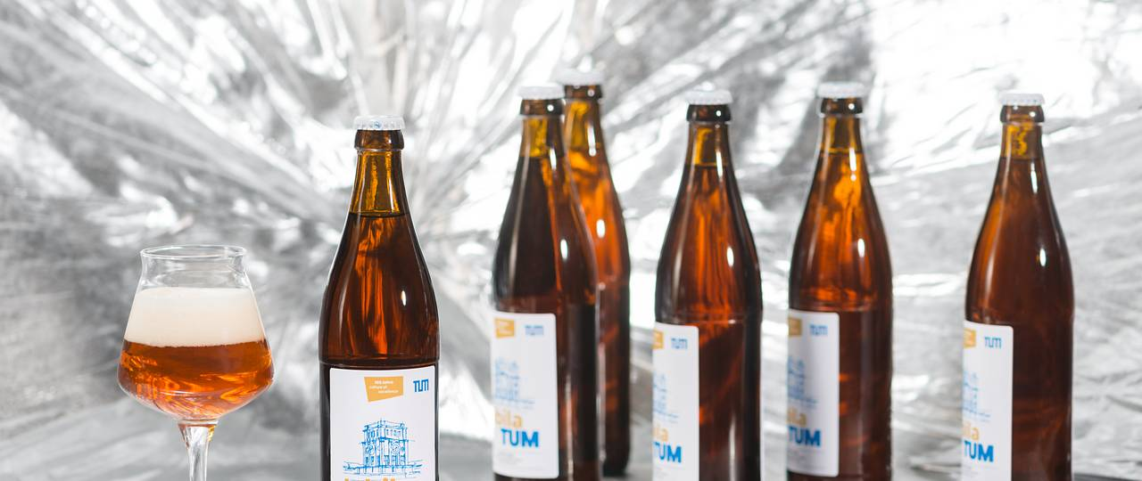 JubilaTUM is a hoppy bottom-fermented export-beer, which is produced for the anniversary year. (Photo: U. Benz/ TUM)