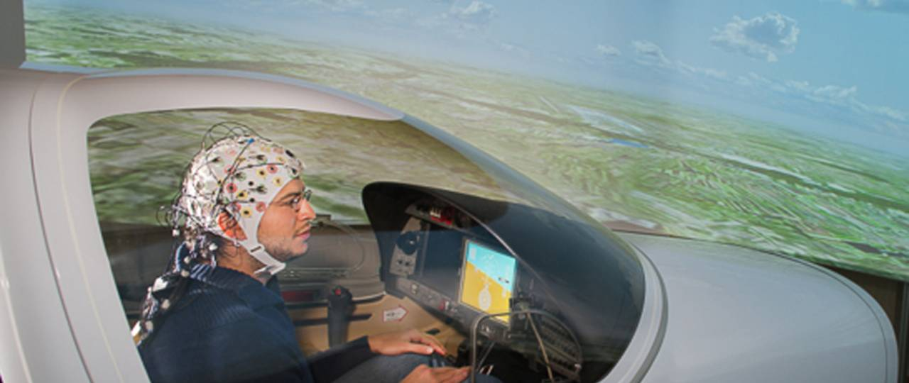 Simulating brain controlled flying at the Institute for Flight System Dynamics.