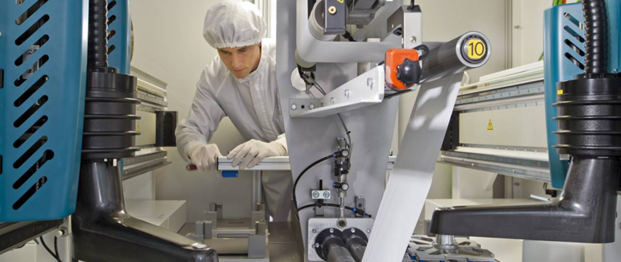 Research production line for battery cells at the Institute for Machine Tools and Industrial Management.