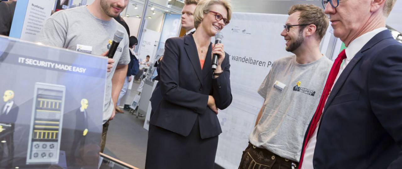 Federal research minister Anja Karliczek attending a demonstration of the Crashtest Security software at CEBIT.