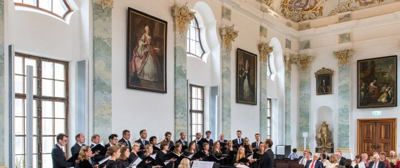 Impressive background for the anniversary concert: The late-baroque ceremonial hall of the Raitenhaslach monastery. (Image: A. Eckert / TUM)