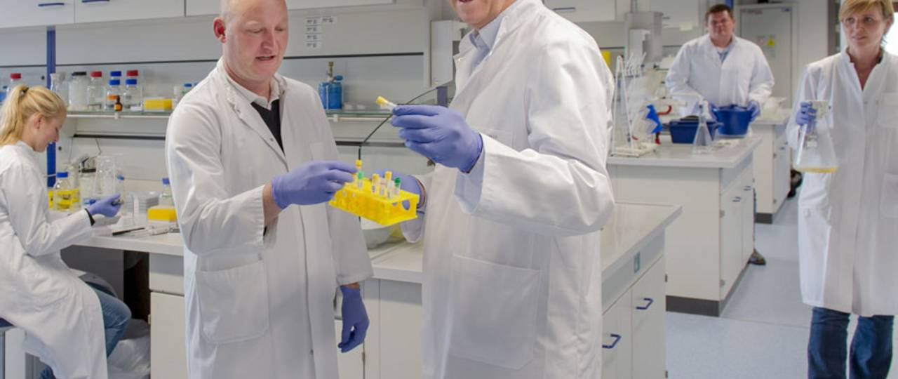 Prof. Percy Knolle and his team at the Institute of Molecular Immunology / Experimental Oncology.