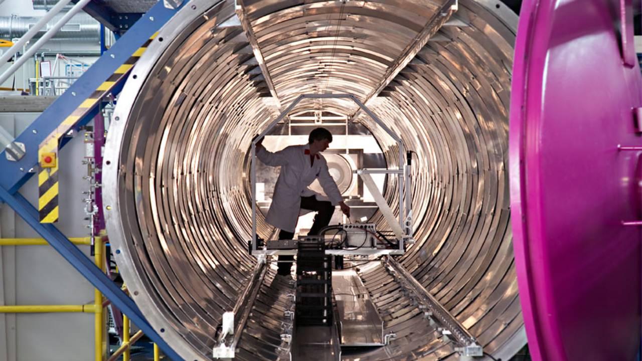 Versuch in der Forschungs-Neutronenquelle