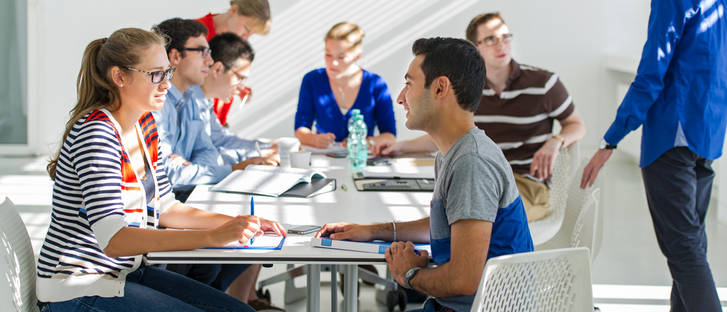 Students learning in Vorhoelzer Forum