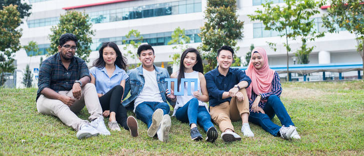 Students at TUM Asia in Singapore