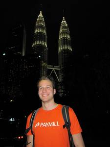 Gunther Glenk vor Petronas Towers