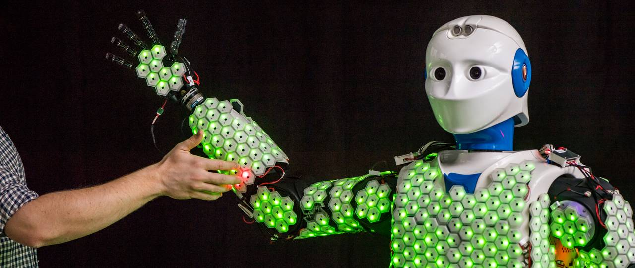 Roboter H-1 is equipped with sensitive artificial skin on his torso and arms.