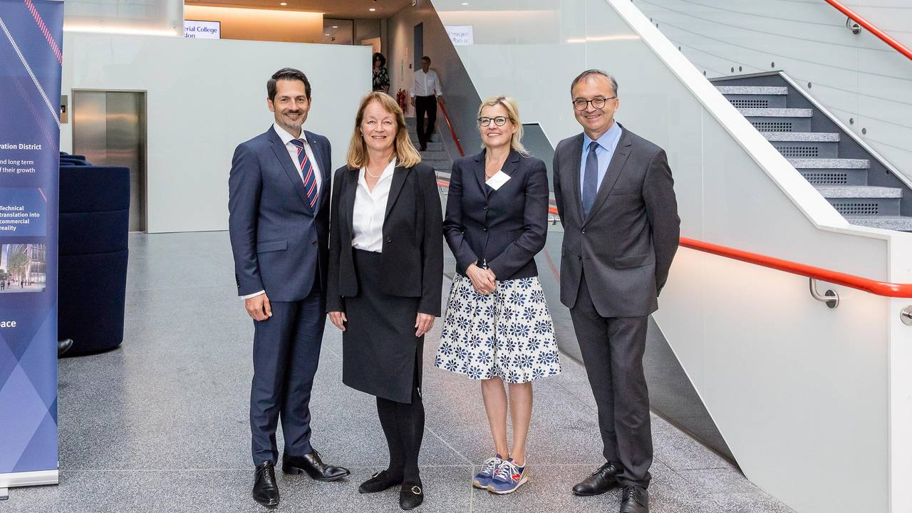 Alice Gast (2nd from left) welcomes a TUM delegation with Vice President Prof. Juliane Winkelmann and Vice Presidents Prof. Thomas Hofmann (left) and Prof. Gerhard Müller in London.
