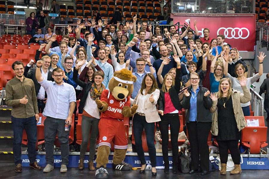 Stipendiaten der BayWa Stiftung beim Basketball (Foto: BayWa Stiftung)