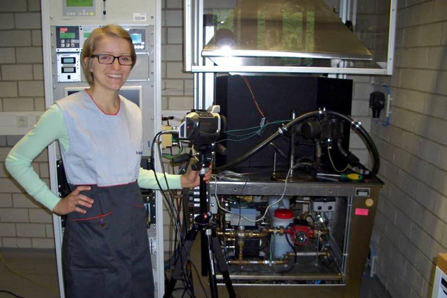 Stipendiatin Eva Gradl bei Webasto (Foto: Webasto)