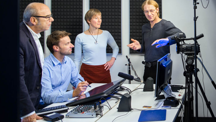 Production of a MOOC in the media center of the Technical University of Munich (TUM)