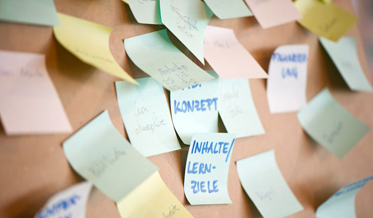 Post-its from a brainstorming in a entrepreneurship training class